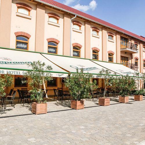 Hunor Hotel és Étterem Vásárosnamény