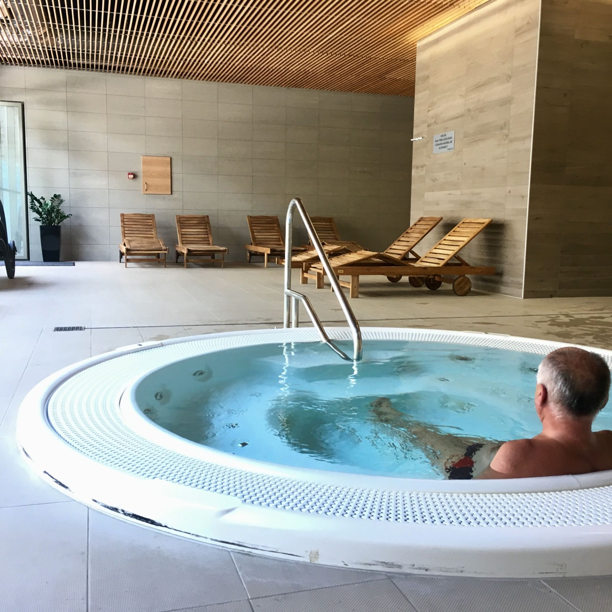 Akadémia Hotel Balatonfüred - Jakuzzi Városi Uszoda