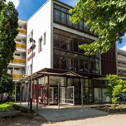 3 nap / 2 éj balatoni pihenés a CE Napfény Hotelben, 2 fő részére, svédasztalos reggelivel, hosszú felhasználhatósággal