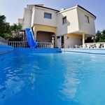 Family Apartment With Shared Pool 1 Medulin