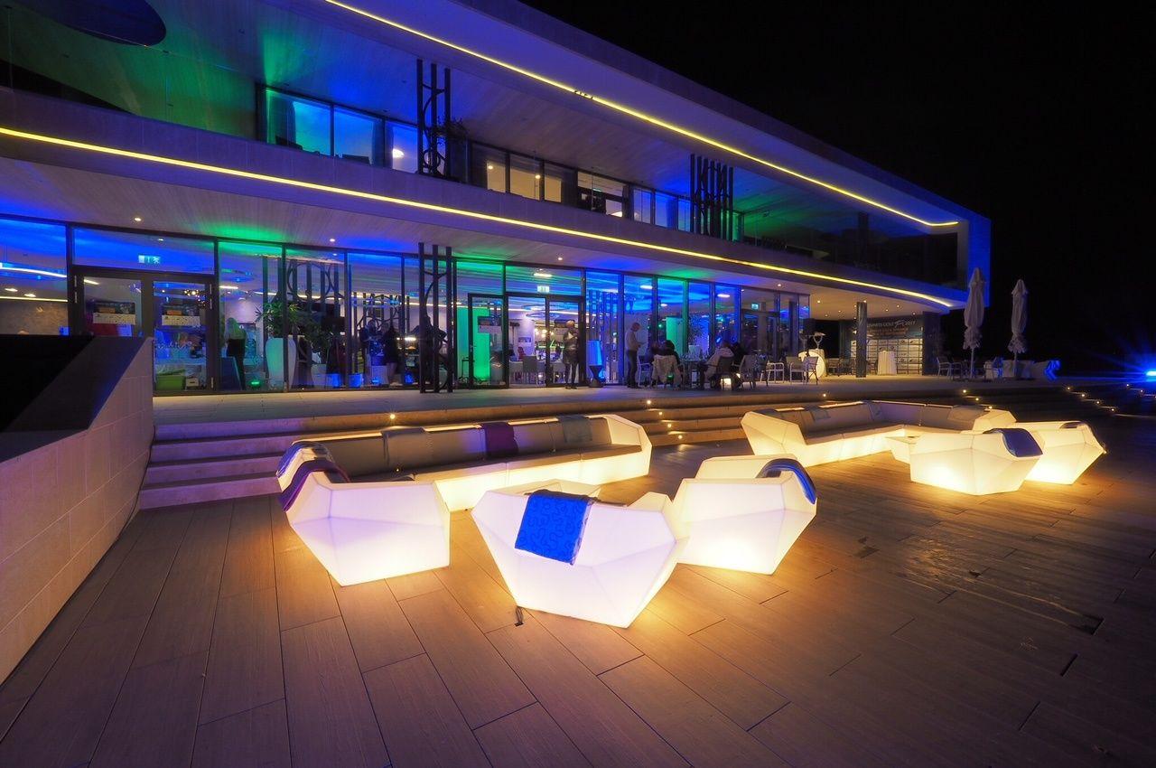 Zala Springs Golf Resort Zalacsány - A klubház szolgáltatásai közé tartozik a céges rendezvények, borestek és egyedi esküvők lebonyolítása!