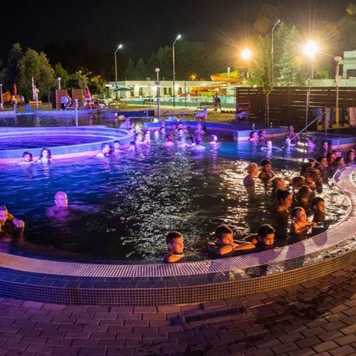 Városi Gyógyfürdő- és Uszoda | Csongrád