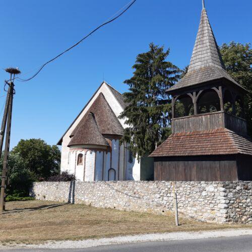 Árpád-kori körtemplom | Szalonna