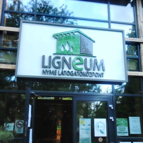 Ligneum Látogatóközpont