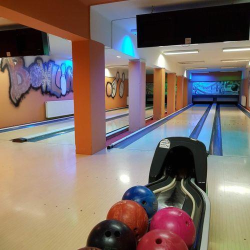 Café Vya Étterem és Bowling Club