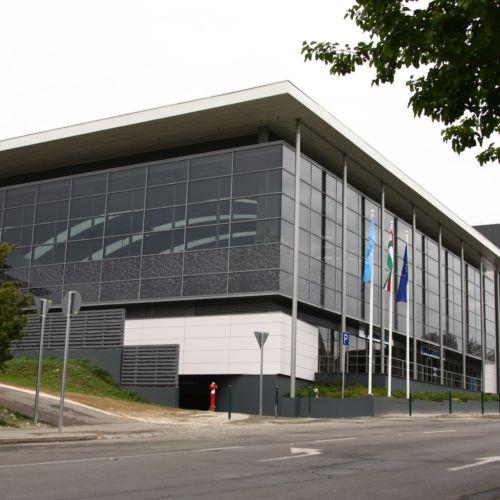 Vizes Nyolcas Uszoda és Szabadidőközpont | Szentendre