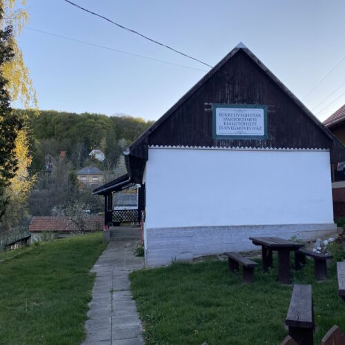 Bükki Üveghuták Ipartörténeti Kiállítóhelye és Üvegműves Ház