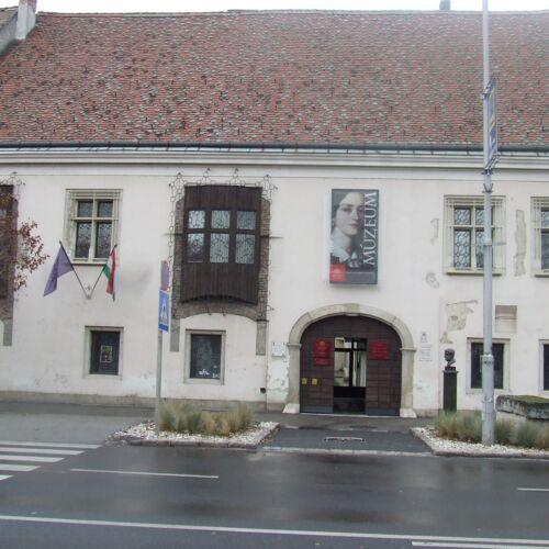Cselley-Ház