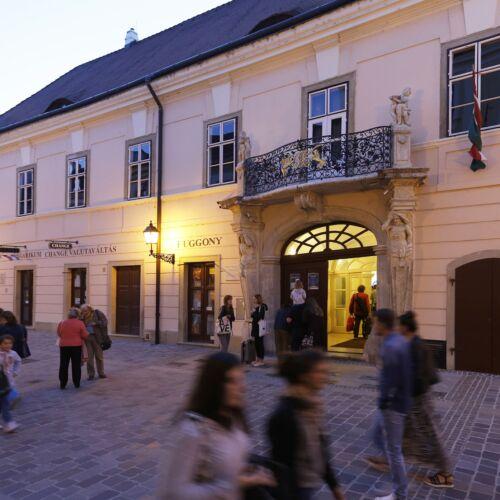 Esterházy-palota - Radnai-gyűjtemény   Győr