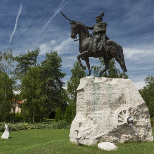 Sobieski János lovasszobra | Párkány