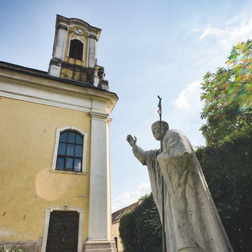 II. János Pál pápa szobor | Szentendre