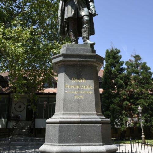 Deák Ferenc szobor | Zalaegerszeg