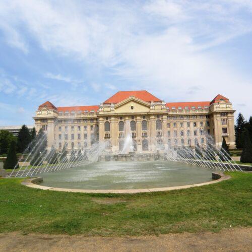 Egyetem tér   Debrecen