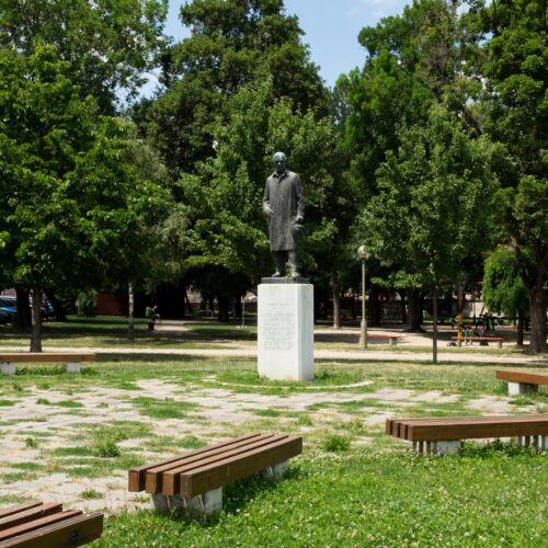 Juhász Gyula szobor   Szeged