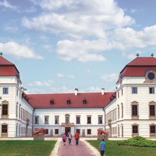 Esterházy-kastély | Pápa