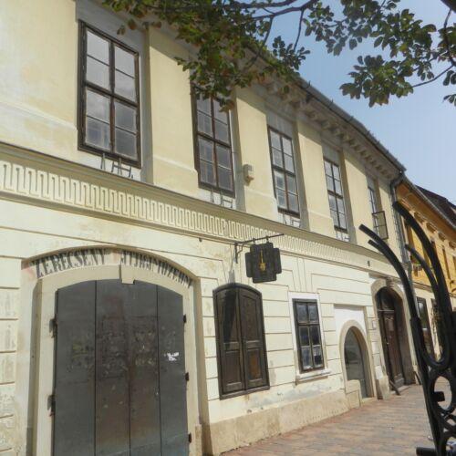 Fekete Szerecseny Patikamúzeum | Kőszeg