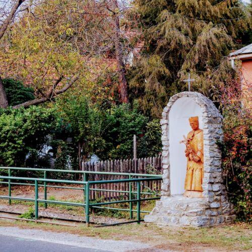 Nepomuki Szent János szobra és a vízkerék | Velem