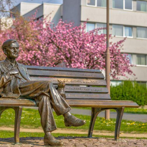 Weöres Sándor szobor | Szombathely