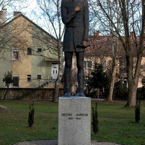 Petőfi Sándor szobra | Lenti