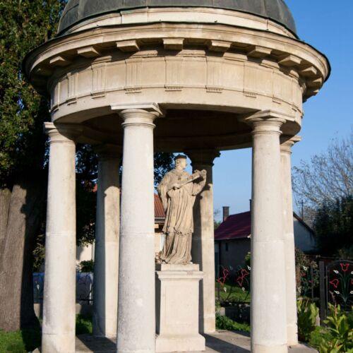 Nepomuki Szent János szobra | Körmend
