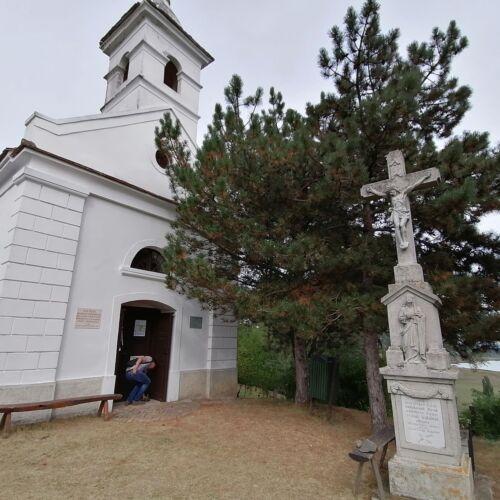 Szőlőhegyi Szentháromság Kápolna   Szigliget