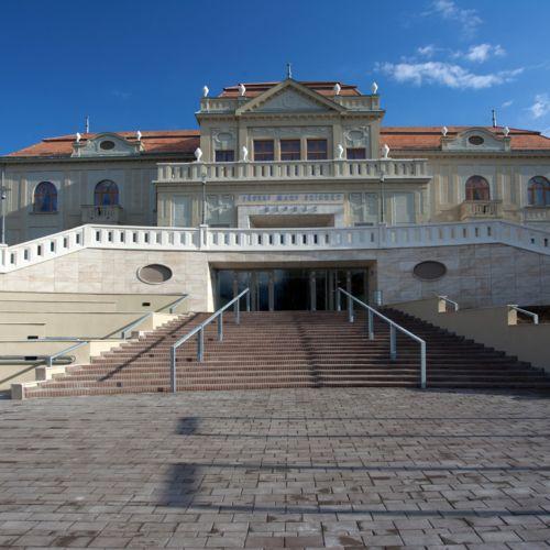 Jászai Mari Színház - Népház