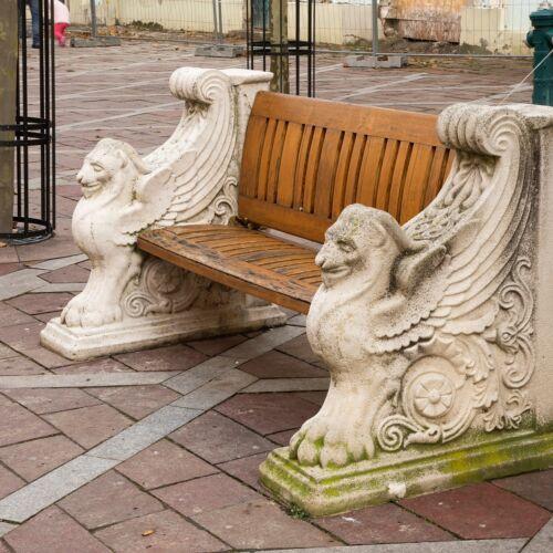 Széchenyi téri díszpad   Esztergom