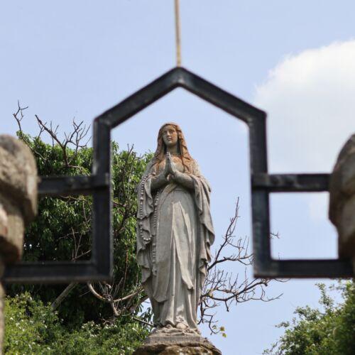 Madonna-szobor   Abaújszántó