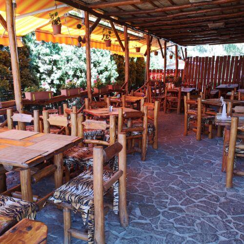 Kőkorszaki Pocaktömő Étterem