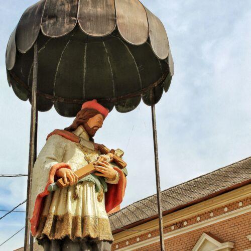 Nepomuki Szent János szobra | Mohács