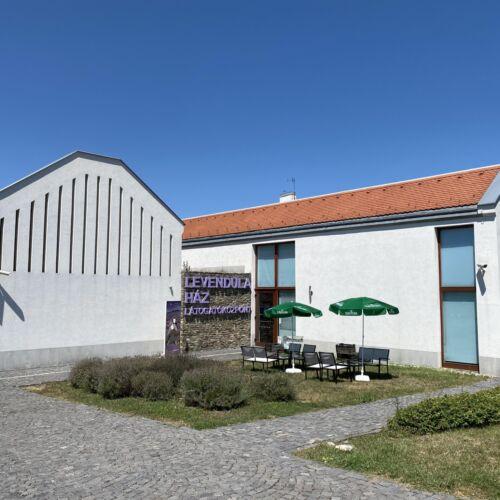 Levendula Ház Látogatóközpont   Tihany