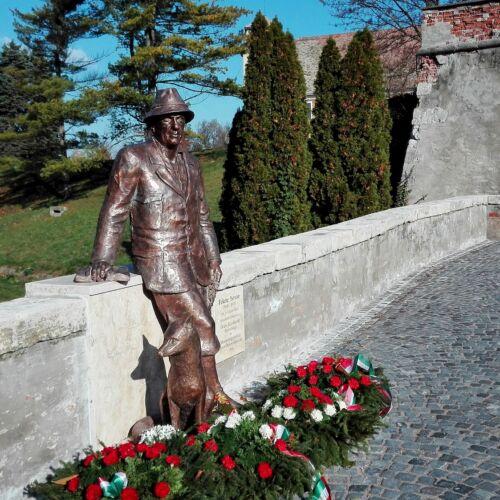 Fekete István szobor | Mosonmagyaróvár