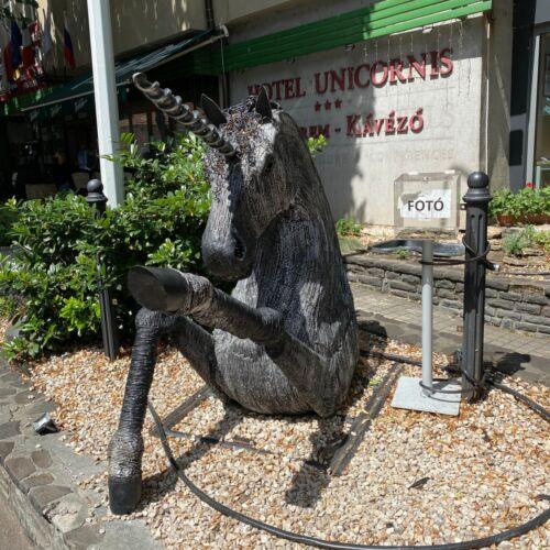 Unikornis szobor   Eger