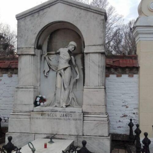 Aidinger János síremléke | Pécs