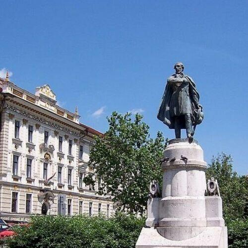 Kossuth Lajos szobra | Pécs