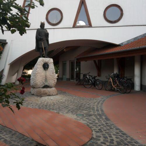 Szent László szobor   Kistelek