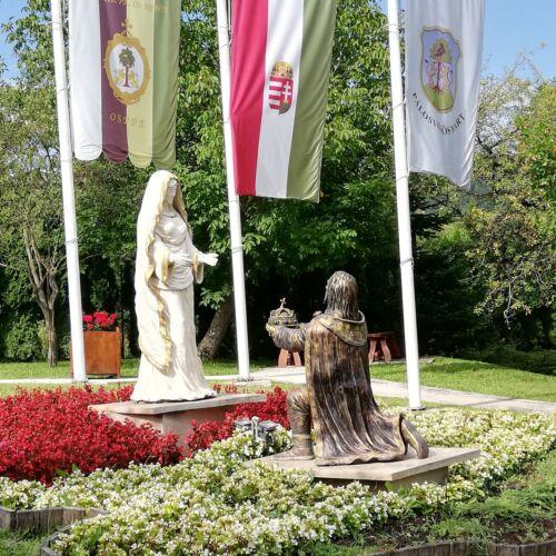 Mária park   Pálosvörösmart