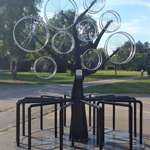 Bicikli fa biciklitároló | Vác