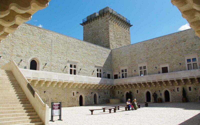 Ingyenes internetes társkereső Spanyolországban