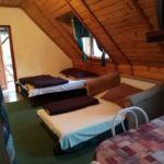 Földszintes fürdőszobás háromágyas szoba (pótágyazható)