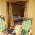 Kertre néző balkonos franciaágyas szoba