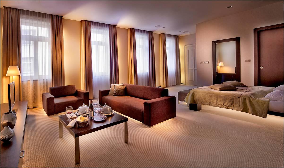tulip house boutique hotel bratislava. Black Bedroom Furniture Sets. Home Design Ideas