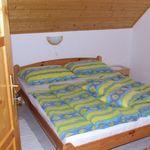 Apartament 4-osobowy na poddaszu Przyjazny podróżom rodzinnym z 2 pomieszczeniami sypialnianymi