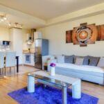 Apartament premium cu balcon cu 2 camere pentru 6 pers.