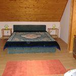 Apartament la mansarda cu cadita de dus cu 3 camere pentru 6 pers. (se poate solicita pat suplimentar)