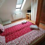 Camera dubla classic cu grup sanitar (se poate solicita pat suplimentar)