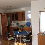 Apartament superior cu balcon cu 1 camera pentru 3 pers.