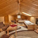 Vierbettzimmer mit Eigner Küche und Aussicht auf die Berge
