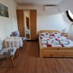 Camera dubla cu aer conditionat cu vedere spre munte (se poate solicita pat suplimentar)