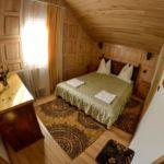Tetőtéri franciaágyas szoba